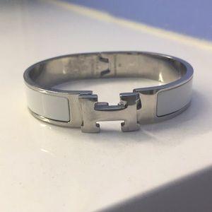 Hermès white and silver bracelet